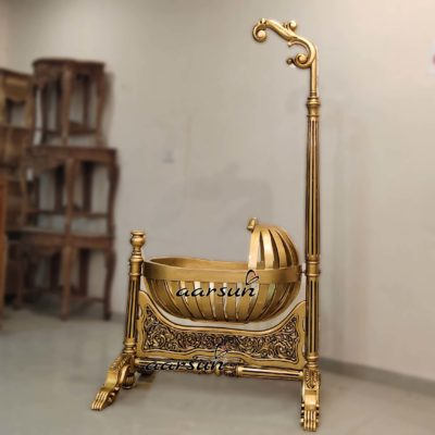 Handcrafted Gold Finish Cradle UH-YT-263